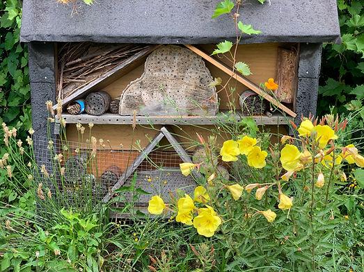 Insektenhotel im Mustergarten