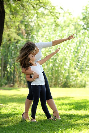 mom-and-daughter-3923086_640.jpg