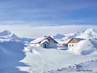Ski de randonnée dans les montagnes du Kirghizstan