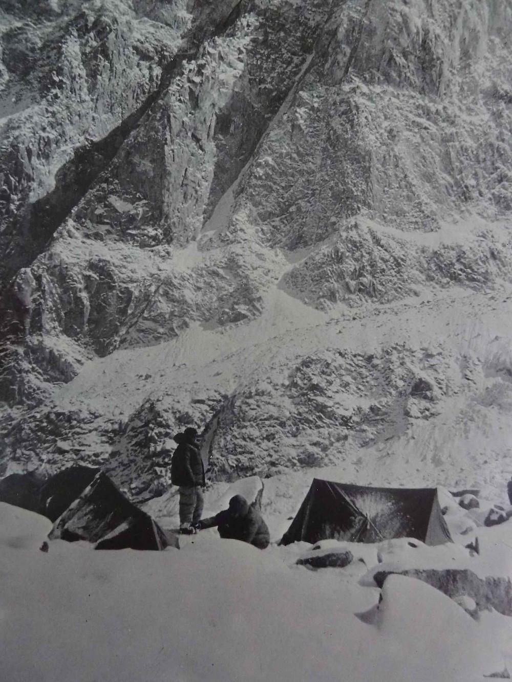 Camp de base sur un sommet du Wakhan, Afghanistan