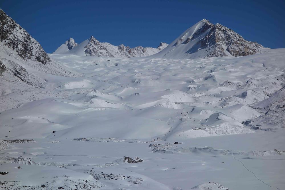 2ème bivouac au pied de l'immense glacier