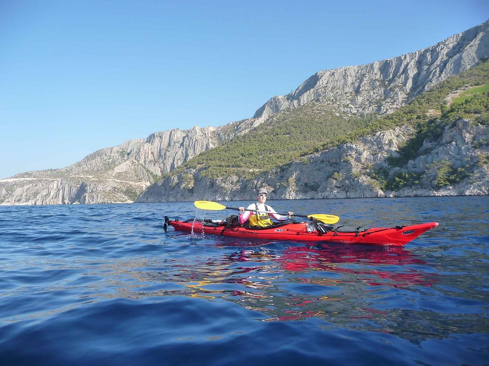 En longeant la belle île de Hvar