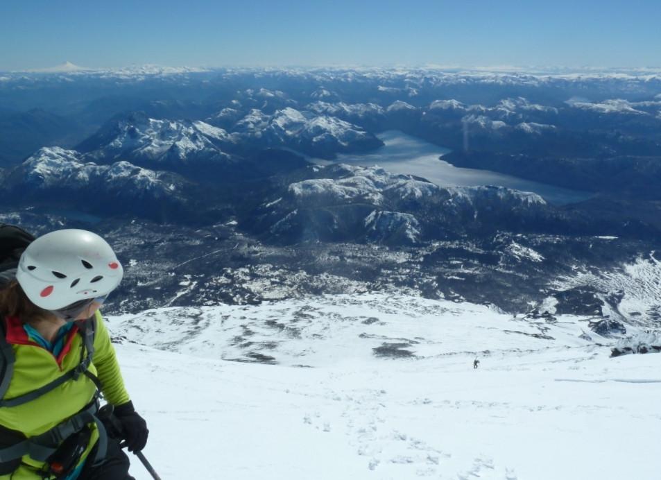 Ascension d'un volcan à ski de randonnée, Chili