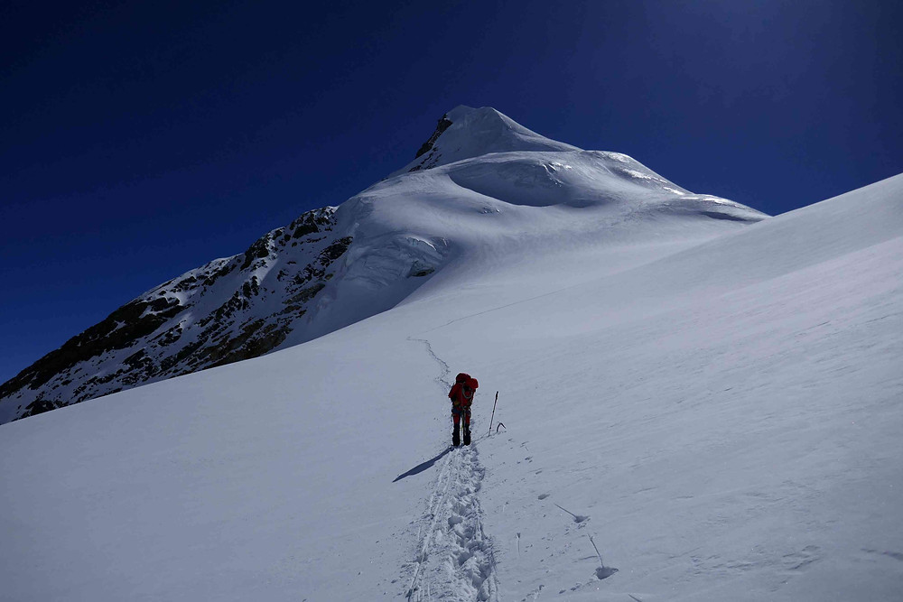 Glacier entre camp 1 et camp 2 du Chulu East