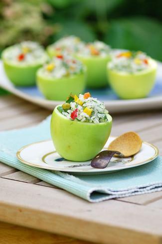 Yeşil Elma Tabağında Pirinç Salatası