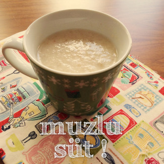 Ev yapımı Muzlu Süt