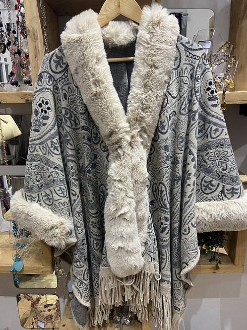 Faux Fur cape, with clasp at front beige