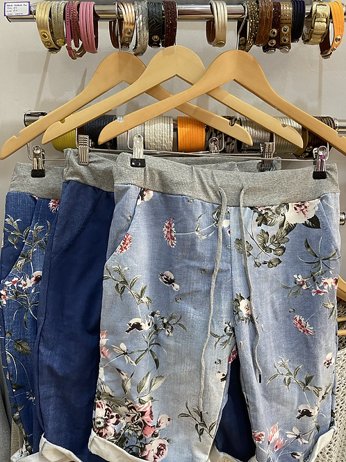 Shorts knee length choice of pattern