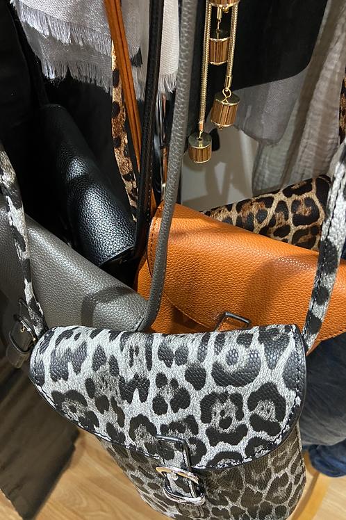 Bucket bag across body
