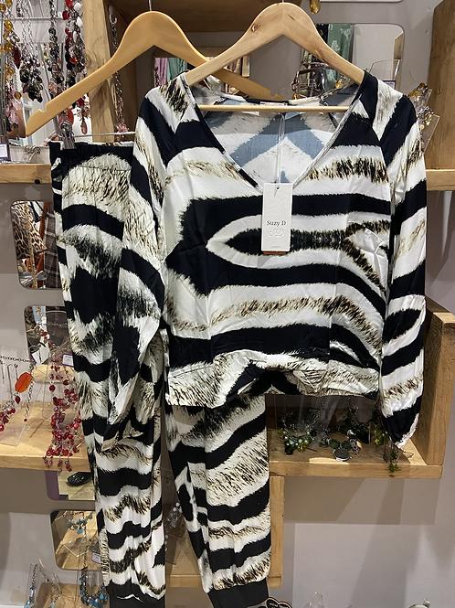 Suzy D patterned Top