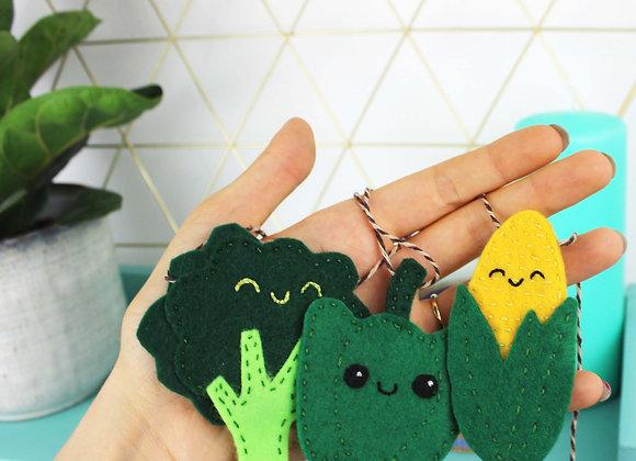 Vegetable mini felt bunting kit