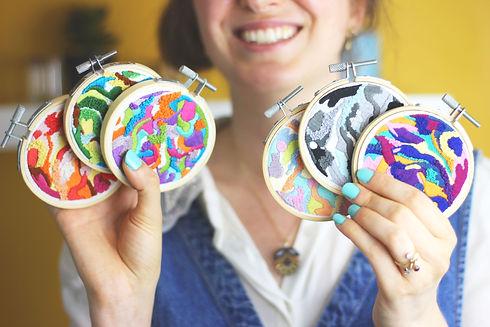 Smiley Becci - Mega ritual embroidery bu