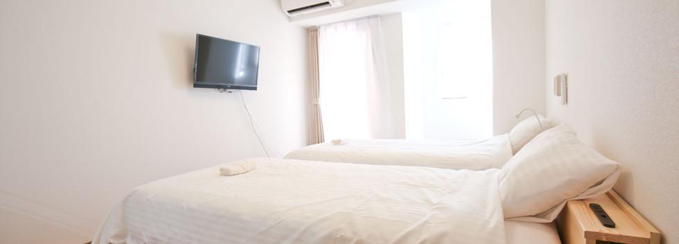 CONNECT INN ROOM 2