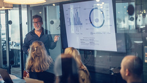 More success with AI in commercial financial services through Expert-based Learning