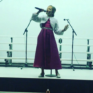 Featured Singer Ava Stevanovic singing a