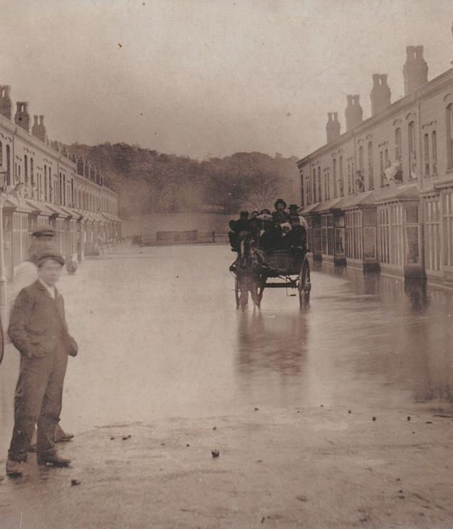Kitchener Road under flood