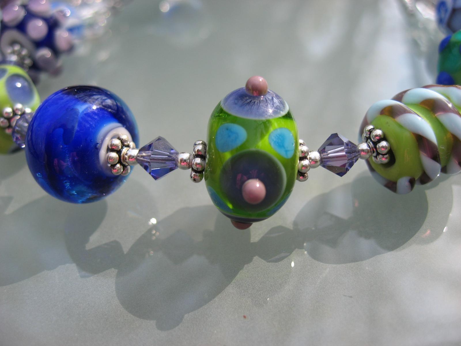 becky beads 040707 003