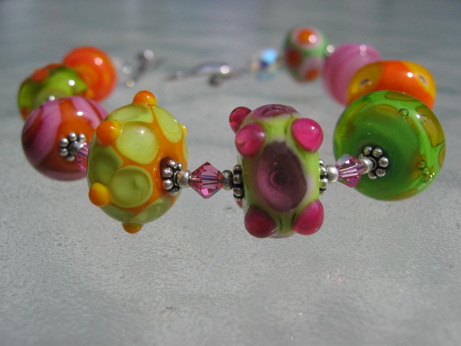 becky bracelet green-orange 032706 001