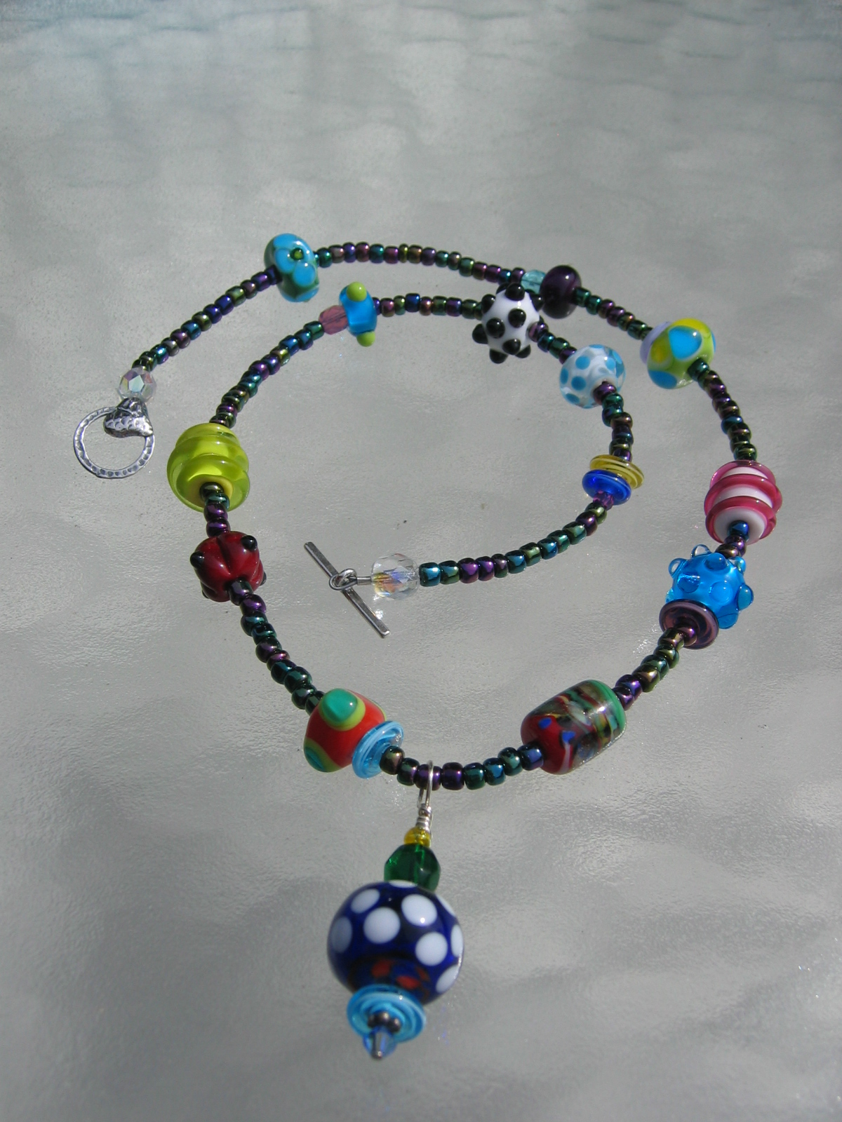 becky necklace bead-ball 032706 003
