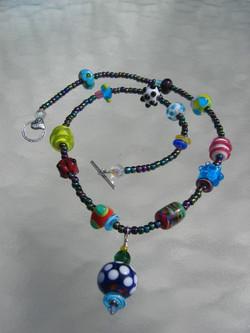 becky necklace bead-ball 032706 003