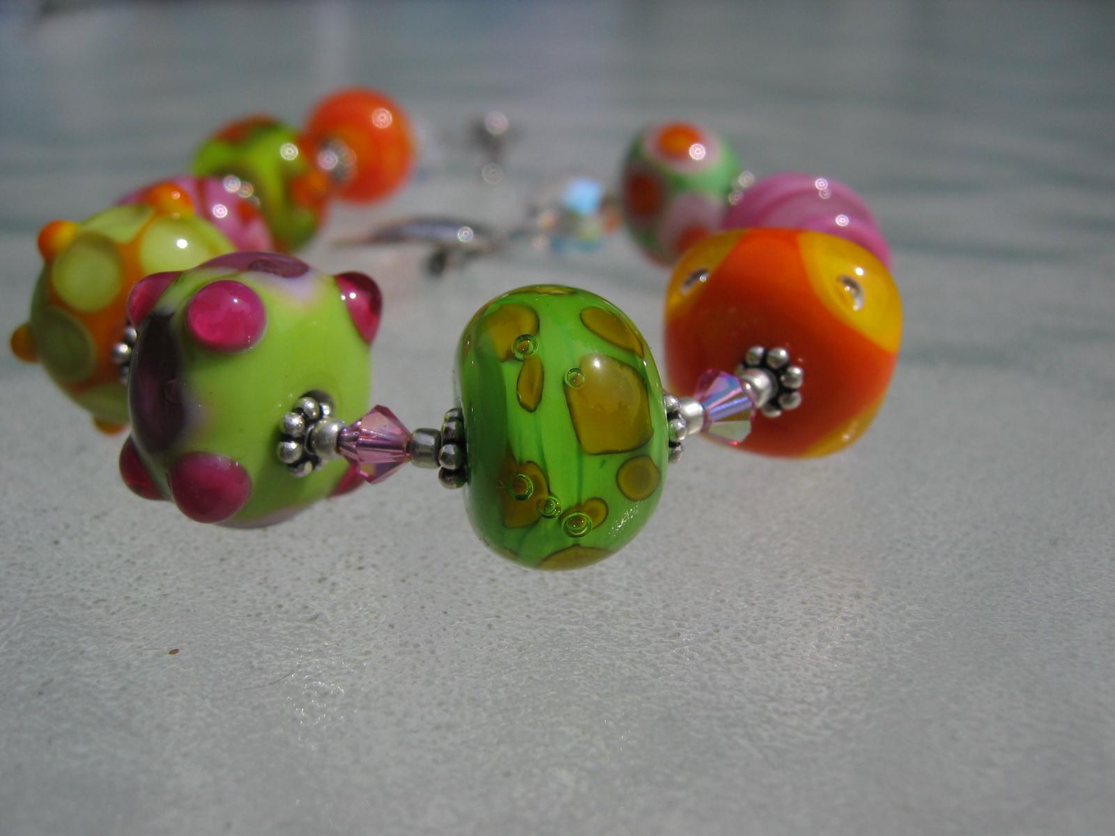 becky bead detail 032706 002