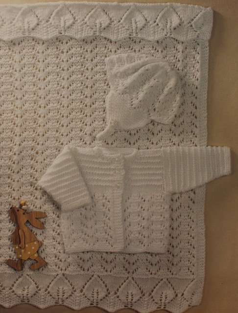 P1314 Blanket, Jacket & Bonnet in Peter Pan DK