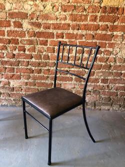 cadeira vértice preta ac courino velho