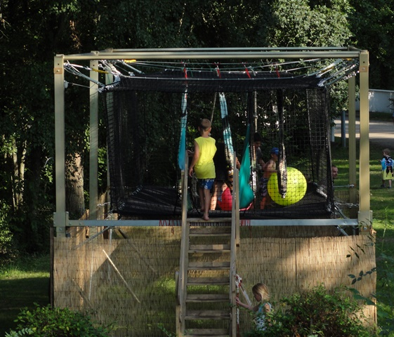 Free access to the giant trampoline
