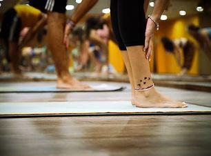 feet-fitness-indoors-892682.jpg