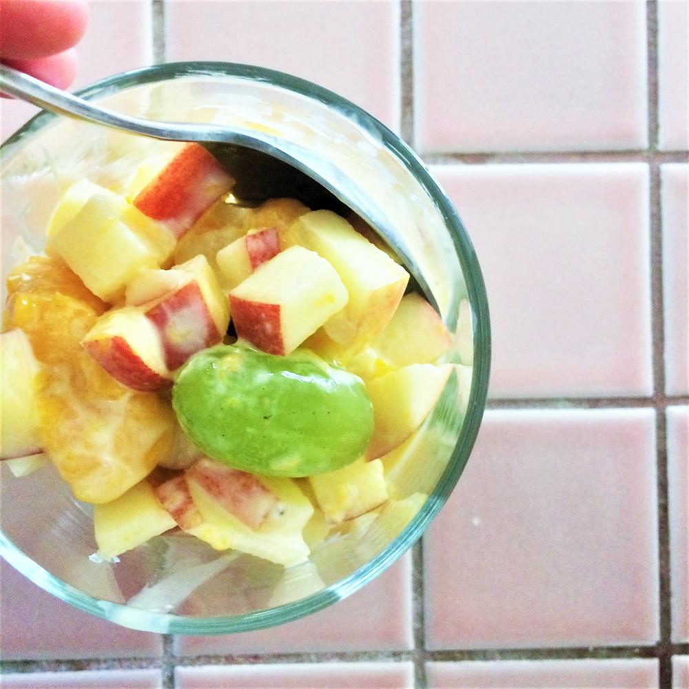 Cóctel de frutas sencillo y nutritivo