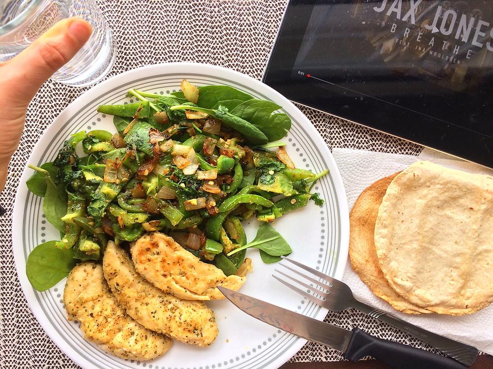 Combinar verdura fresca y guisada con un pequeño secreto