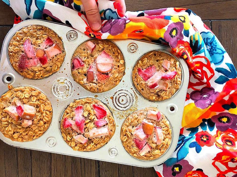 Muffins de avena caseros con ingredientes básicos