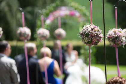Hochzeit Traumhochzeit Schloss Trauung Hochzeitsfest Heiraten im Schloss Heiraten am See Schlosshochzeit idyllisch romantisch festlich schönste Hochzeitlocation