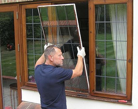 Removing defective glazing panel