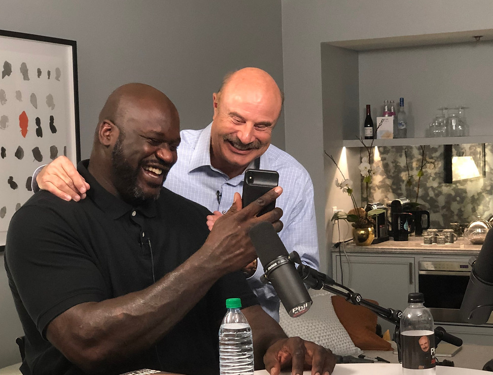 Shaquille O'Neal talks to Sr. Phil