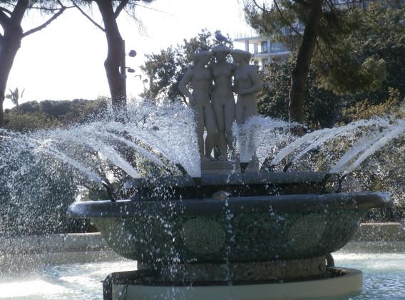 Water fountain in Le Jardin Albert 1er, Nice