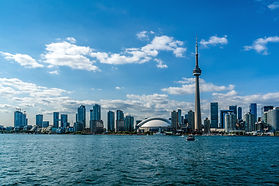 The beautiful Toronto's skyline over Lak