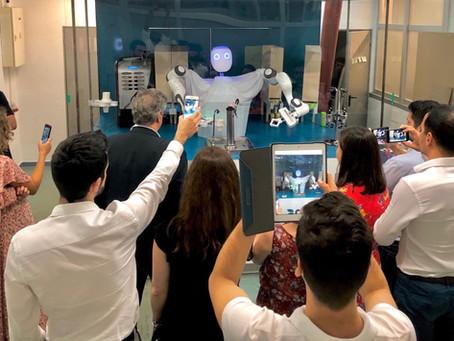 El Robot Humanoide Sevillano se pone a trabajar para el Food & Beverage