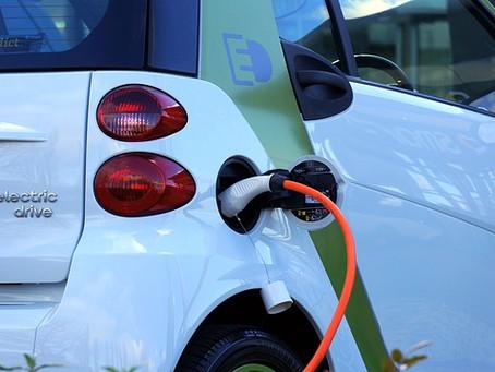 """""""Electrolineras"""", las estaciones de servicio sostenibles y robotizadas"""