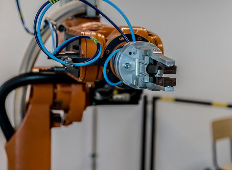 ¿Cuáles son las ventajas de tener robots en un hotel o restaurante?