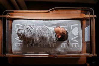 Indianapolis Newborn Photographer | Fresh 48 Lifestyle Session | St. Vincent Carmel