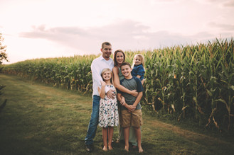 Indianapolis Family Photographer | Outdoor Family Session