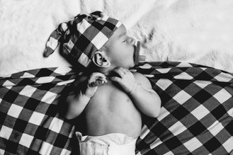 Indianapolis, Indiana | Newborn Photographer | In-home Lifestyle Session