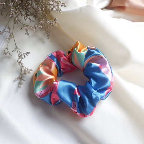 THE AMELIE SCRUNCHIE