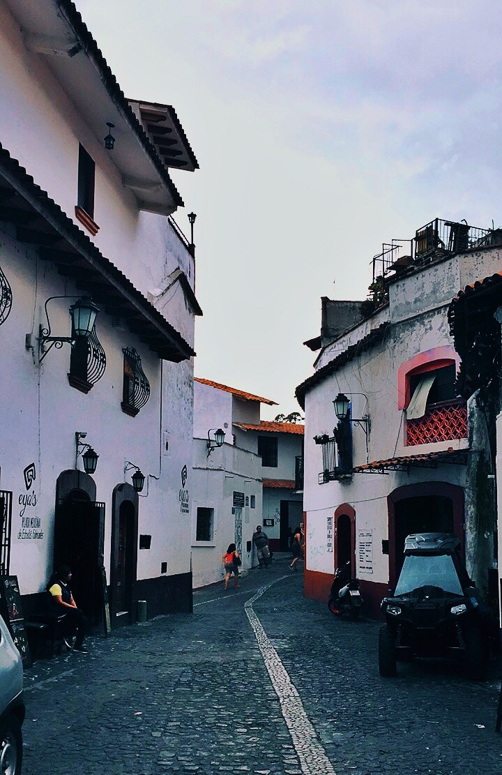 Taxco lanes