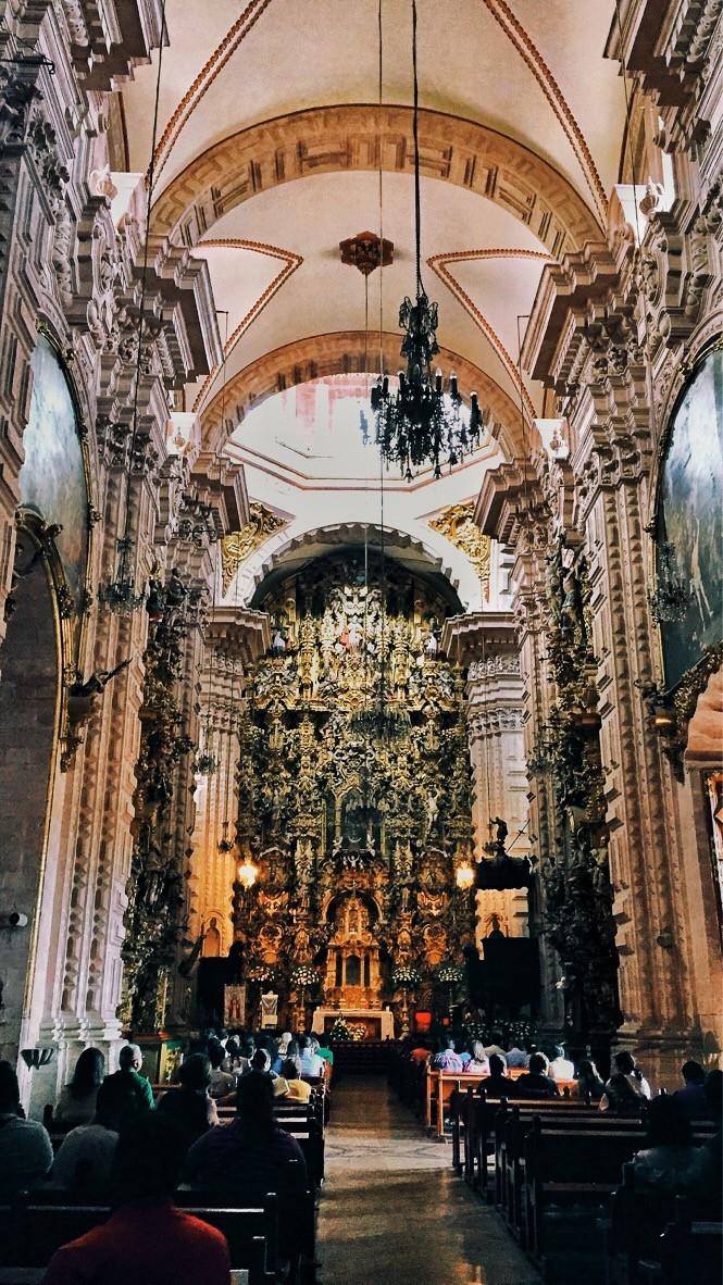 Inside Santa Prisca de Taxco