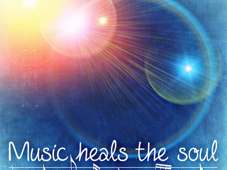 One hour of gentle healing music perfect for meditation or helping you to fall to sleep.