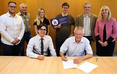 Hockenheim_Unterzeichnung.JPG