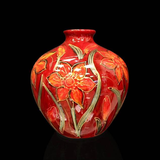 Daffodil Round Vase.jpg