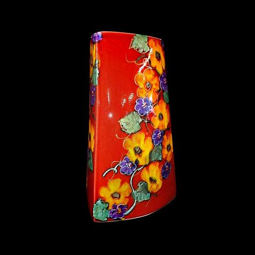 Garland Triangle Vase 21cm allow 21 days